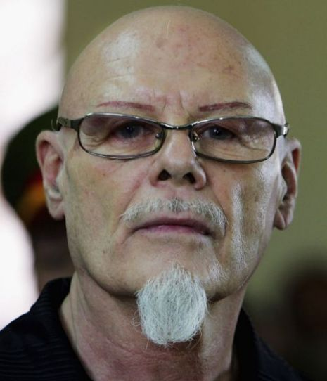 Gary Glitter alert issued afte...