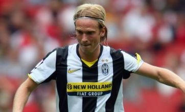 Liverpool complete £4.5m Christian Poulsen transfer from Juventus