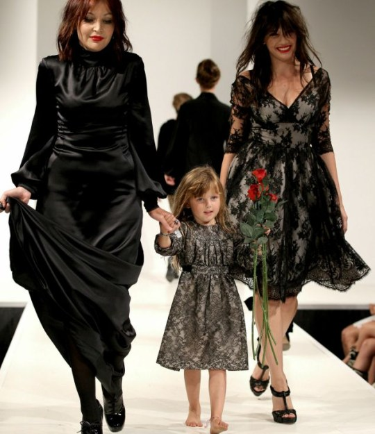 Daisy Lowe, mother Pearl and little Betty