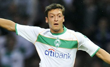 Mesut Ozil snubs Manchester United and Chelsea transfers to join Real Madrid