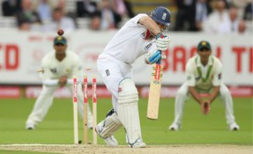 Andrew Strauss' miserable form continues in final Pakistan test