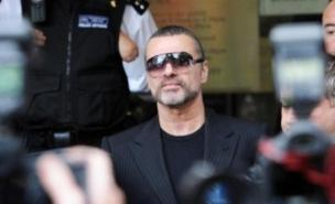 George Michael was kept waiting by lover Kenny Goss.