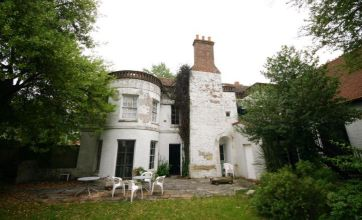 'Most haunted' manor house to be auctioned