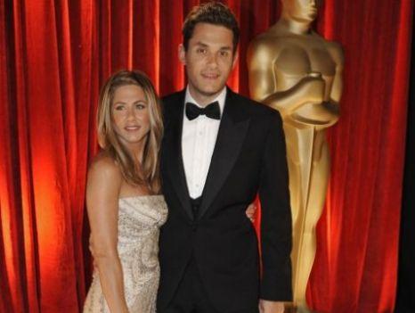 Jennifer Aniston and John Mayer, Twitter