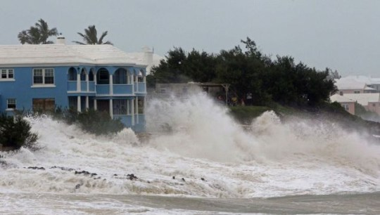 Warning signs: Violent waves pound John Smith's Bay in Bermuda as Hurricane Igor approaches Pictures: AP