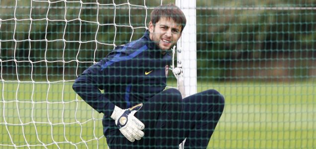 Easy does it: Arsenal reserve keeper Lukasz Fabianski (Picture: ActionImages/Reuters)
