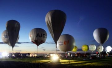 Two balloonists missing as thunderstorms hit race