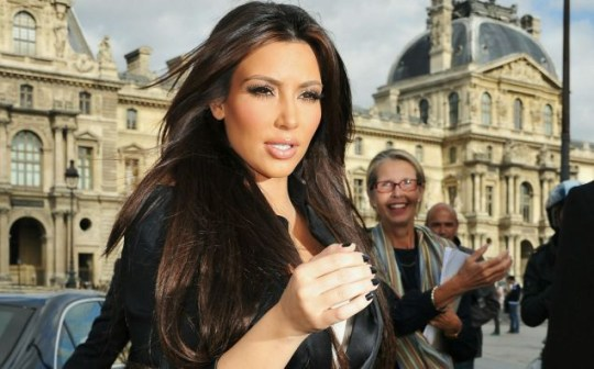 Kim Kardashian arrives to visit the Louvre Museum in Paris