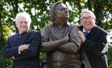 Ronnie Barker 'Porridge' statue unveiled
