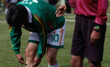 Evo Morales sticks knee into opponent but escapes a red card