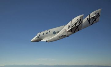 Virgin Galactic's SpaceShipTwo completes first manned flight
