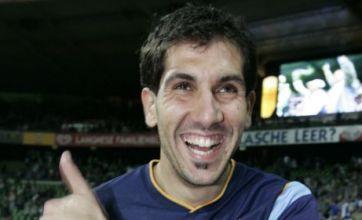Gorka Iraizoz emerges as Arsenal goalkeeping target