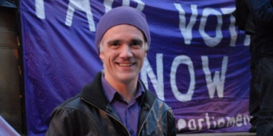Standing: Pirate Party UK leader Loz Kaye (Picture: Tim Dobson, Flickr)