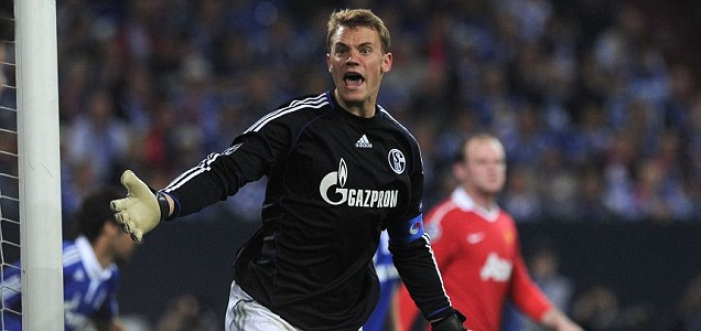 Schalke's goalkeeper Manuel Neuer will once again attempt to keep Manchester United out