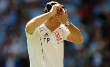 Stoke manager Tony Pulis warned by FA for Howard Webb praise