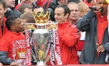 Dimitar Berbatov joins Manchester United victory parade despite transfer rumours