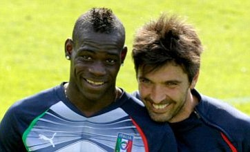 Mario Balotelli named in police report involving Mafia tours of Napoli