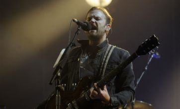 Isle of Wight Festival 2011: Kings of Leon play through rain and rumours of no-show