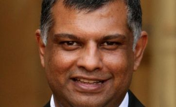 Tony Fernandes: My offer to buy West Ham still stands