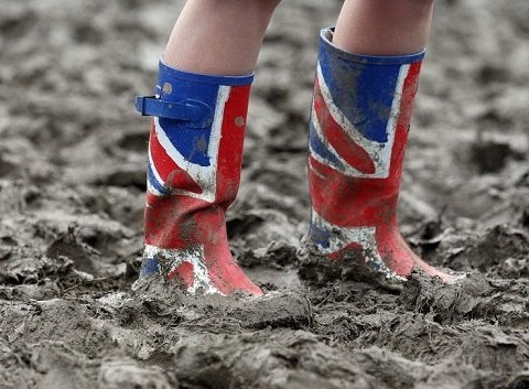 Isle of Wight festival braced for wind, rain and mud