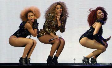 Beyoncé's 4 set to claim No 1 spot after Glastonbury success