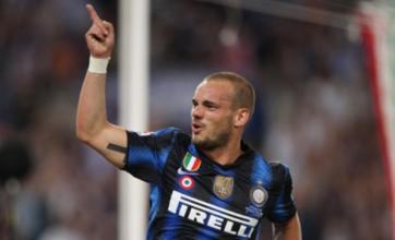 Wesley Sneijder's Manchester United transfer 'hits wages snag'
