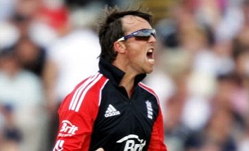 Spinner Graeme Swann crowned ICC one-day bowler king