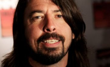 Watch: Foo Fighters' Dave Grohl ejects brawling fan from iTunes Festival gig