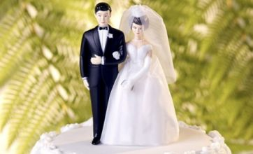Derry police apologise for 'sham wedding' arrests blunder