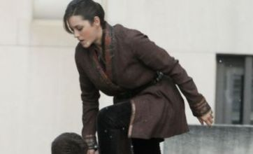 The Dark Knight Rises photo shows first glimpse of Marion Cotillard