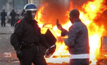 London riots bring Twitter's biggest ever day in the UK