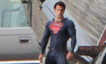 Man of Steel film set photos leaked show Superman wearing no red pants