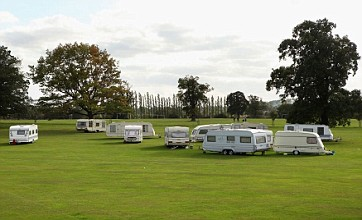 Dozens of Dale Farm travellers move to nearby historic park
