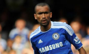 Chelsea set to tie up Jose Bosingwa deal as talk of exit subsides