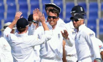 Graeme Swann and Stuart Broad give England upper hand over Pakistan