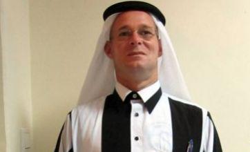 Qatar-dwelling Newcastle United fan has special Toon robe made