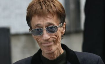 Robin Gibb to make classical debut as he battles liver cancer