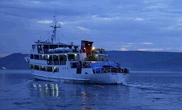 Hundreds rescued after ferry sinks off Papua New Guinea