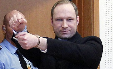Anders Breivik: Give me medal for Norwegian massacre