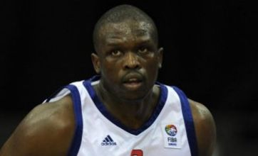Luol Deng injures wrist in disappointing NBA All-Star appearance