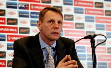 England boss Stuart Pearce backs Ashley Cole to bounce back