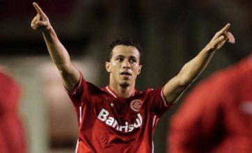 Leandro Damiao 'has received Spurs offer' but is waiting on bid from Italy