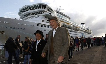 Titanic memorial cruise delayed by gales and giant waves