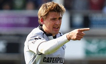 Nick Evans issues Toby Flood warning to young pretender Owen Farrell