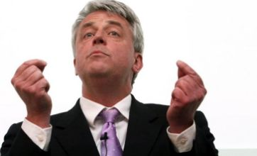 Andrew Lansley 'supports' controversial NHS regional pay plan