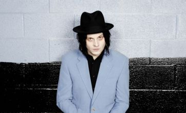 Jack White's debut solo album Blunderbuss to hit No. 1 in UK and US