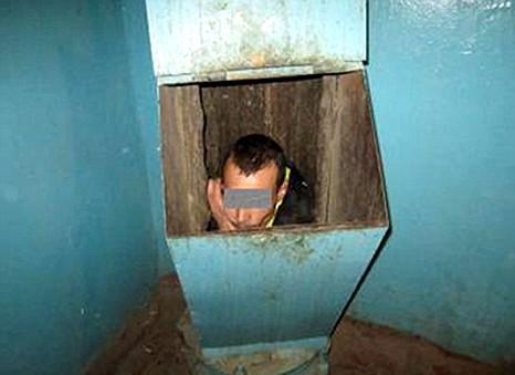 man, rubbish chute, Russia, Tyumen, Siberia