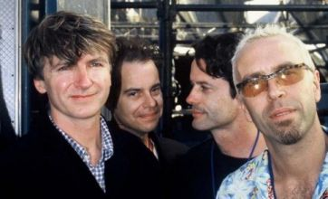 Crowded House drummer Peter Jones dies aged 45 after 'battle with cancer'