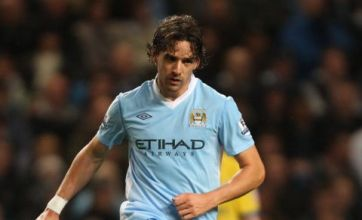 Owen Hargreaves released by Man City after four first team appearances