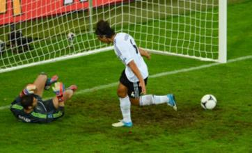 Germany cruise past Greece into Euro 2012 semi-finals